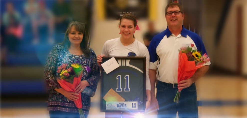 OCU Celebrates Senior Night with Victory image