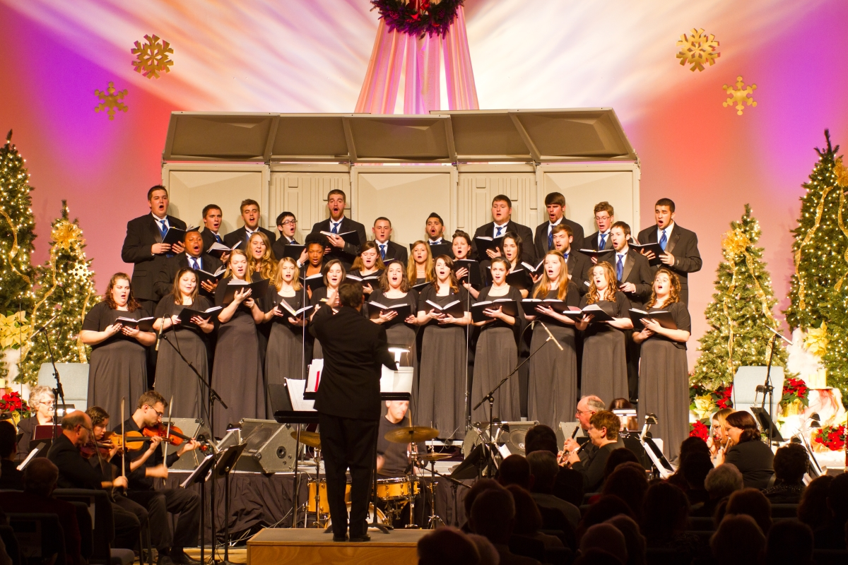 Record Attendance at 10th Annual Festival of Carols image
